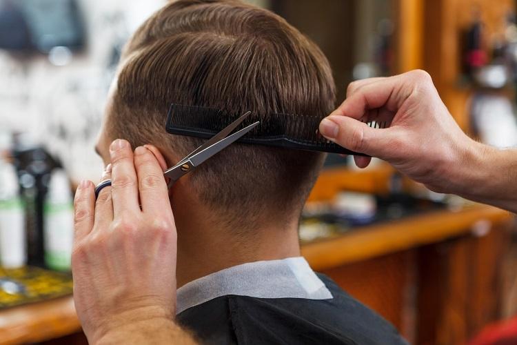 薄毛で坊主頭スタイルもいいけど、薄毛改善で他の髪型を楽しんでは?